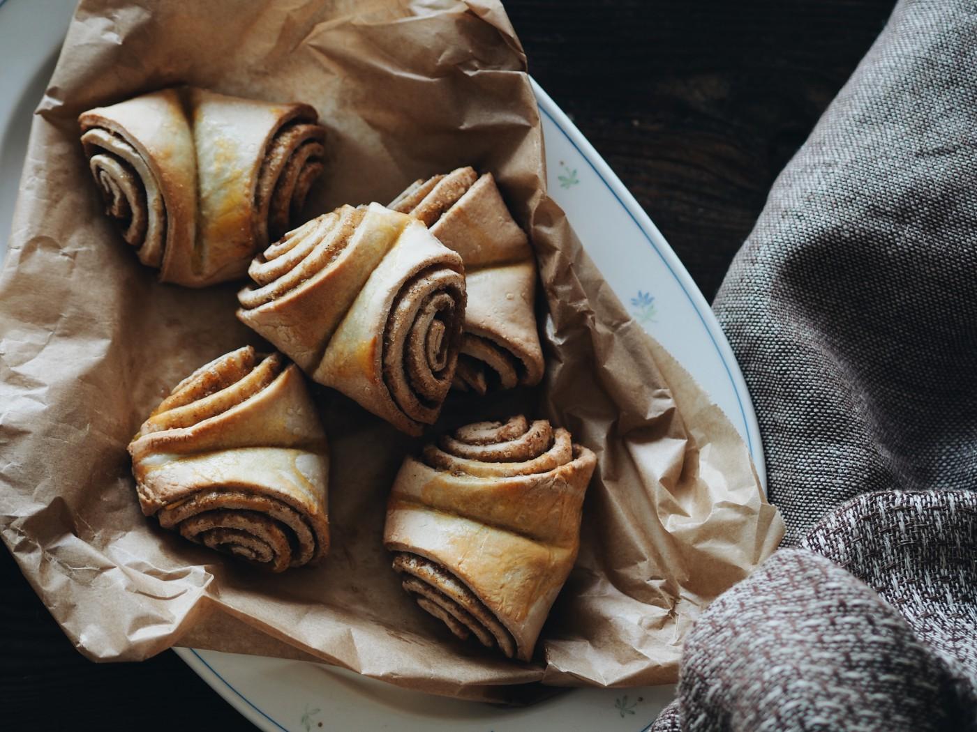 evafedeveka photography foodphotography baking vegan franzbrötchen